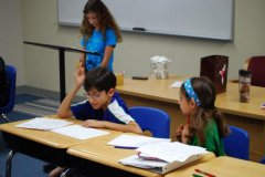 Give confident speaking experience to your elementary student.